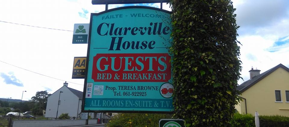 Clareville House Bed and Breakfast in Scarriff